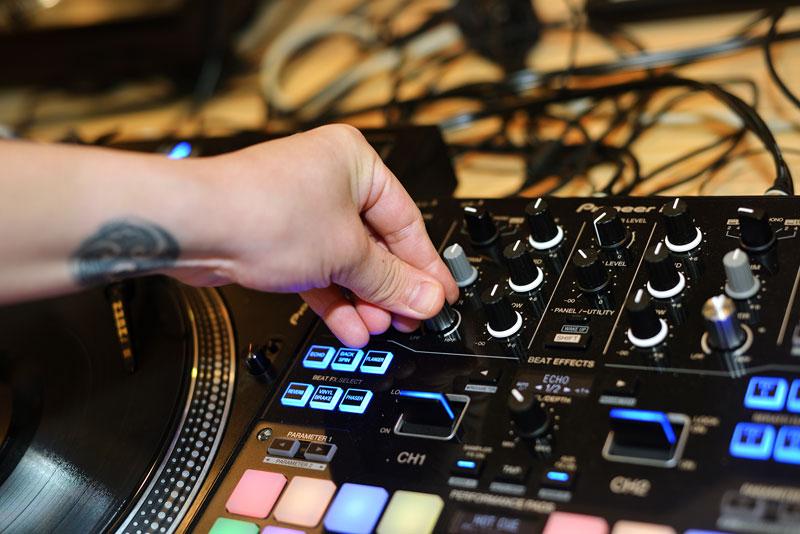 DJ KENTARO先生がPioneerのインタビューに答えました!